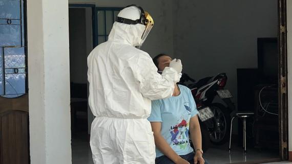 Tiến hành truy vết, điều tra dịch tễ tại khu vực có ca dương tính tại thị xã Đức Phổ, tỉnh Quảng Ngãi