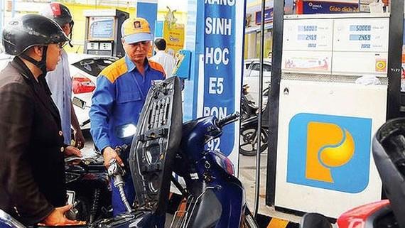 Xăng dầu đồng loạt tăng giá, tăng thêm đến 638 đồng/lít