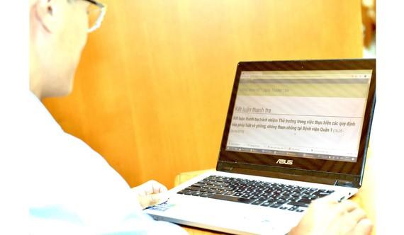 UBND quận 1 công khai kết luận thanh tra tại Bệnh viện Quận 1 về phòng, chống tham nhũng. Ảnh: VIỆT DŨNG