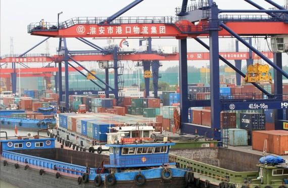 Container hàng hóa ở cảng Huaian, tỉnh Giang Tô, Trung Quốc, ngày 5-5-2019. Ảnh: REUTERS