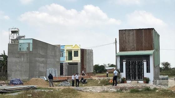 Công trình xây dựng trái phép trên đất nông nghiệp ở huyện Bình Chánh
