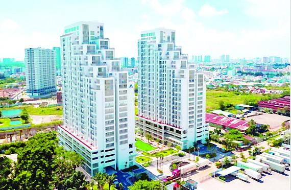 Luxgarden có thiết kế độc đáo, tầm nhìn hai mặt hướng sông Sài Gòn, tọa lạc trên trục đường Nguyễn Văn Quỳ (Q.7), liền kề khu đô thị Phú Mỹ Hưng có kết nối giao thông vô cùng thuận tiện