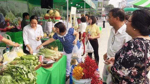 Phiên chợ nông sản chất lượng và an toàn