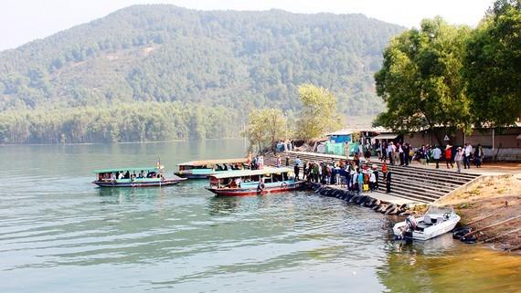 Khu di tích danh thắng quốc gia chùa Hương Tích