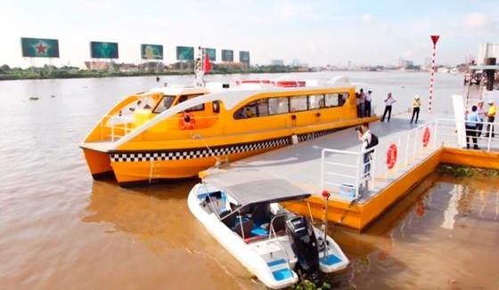 Tuyến buýt sông Sài Gòn. Ảnh: GIA MINH