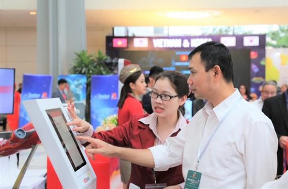 """Ra mắt chương trình """"Tải App HDBank – Rinh Vespa sành điệu"""" từ HDBank"""