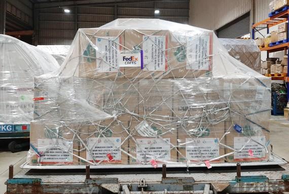 FedEx vận chuyển lô hàng cứu trợ đến Hoa Kỳ trong cuộc chiến chống lại COVID-19
