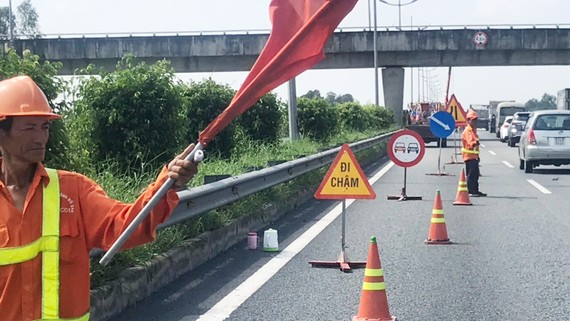 Thi công sửa chữa tuyến đường bộ cao tốc TPHCM - Trung Lương từ ngày 9-8 đến 30-11-2020