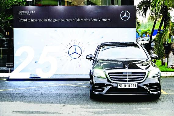 Mercedes-Benz đã có những cột mốc đáng nhớ  tại Việt Nam trong 25 năm hoạt động
