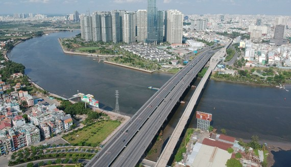 Sông Sài Gòn đoạn qua quận 2 và quận Bình Thạnh. Ảnh: CAO THĂNG