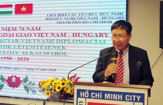 Ông Nguyễn Quang Vinh, Phó Chủ tịch Hội hữu nghị Việt Nam - Hungary TPHCM phát biểu tại buổi lễ. Ảnh: TTXVN