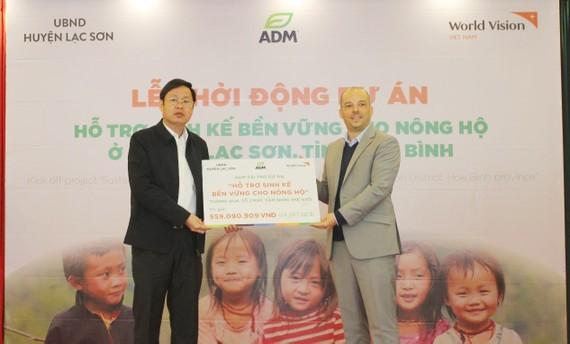 ADM Dinh dưỡng vật nuôi Việt Nam hỗ trợ sinh kế cho 50 hộ dân tỉnh Hòa Bình