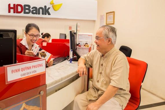 """Gửi tiết kiệm tại HDBank """"tuổi càng cao, lãi suất càng lớn"""""""