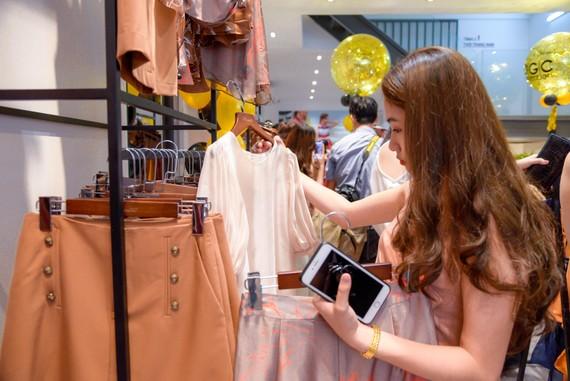 May thời trang nội địa dần chinh phục khách hàng