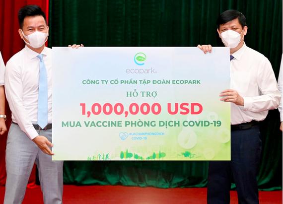 Vận động ủng hộ mua vaccine Covid-19