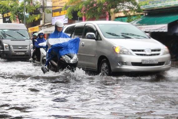 Đường Trương Công Định, thành phố Vũng Tàu bị ngập