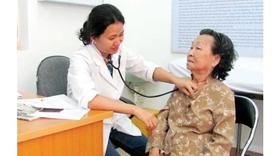 Khám sức khỏe định kỳ phòng ngừa bệnh đái tháo đường tại BV quận 2 TPHCM.