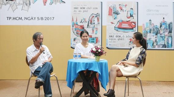 Hai tác giả Ngữ Yên và Gia Hòa đang chia sẻ với độc giả những câu chuyện về ẩm thực và lối sống, ký ức của thành phố