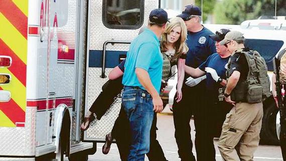 Xe cứu thương có mặt tại hiện trường vụ việc. Ảnh: Eastern New Mexico News