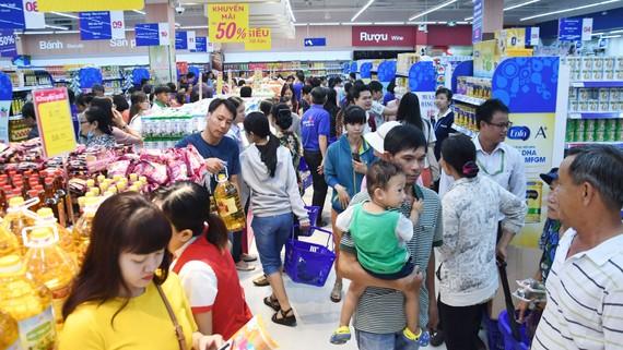 Co.opmart Huỳnh Tấn Phát hút khách