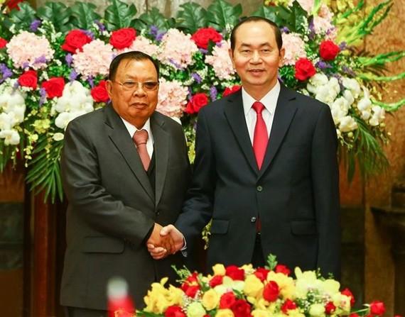國家主席陳大光(右)會見老撾總書記本揚‧沃拉吉。(圖源:山松)