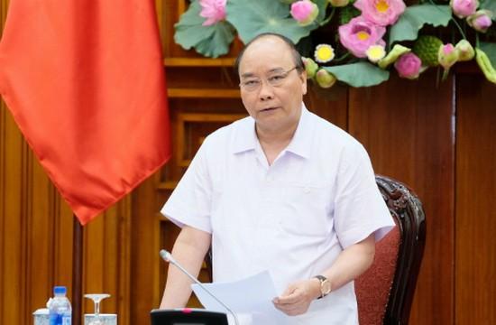政府總理阮春福主持召開政府常務委員會例行會議。