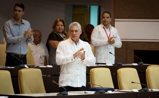 古巴新任國務委員會主席米格爾·迪亞斯 - 卡內爾(Miguel Díaz-Canel Bermúdez)。(圖源:路透社)