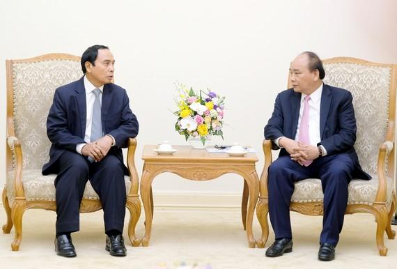 政府總理阮春福接見老撾政府副總理本通‧吉馬尼。(圖源:光孝)