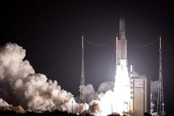 日歐聯合水星探測器19日在南美洲法屬圭亞那的庫魯太空中心成功發射。(圖源:AFP)