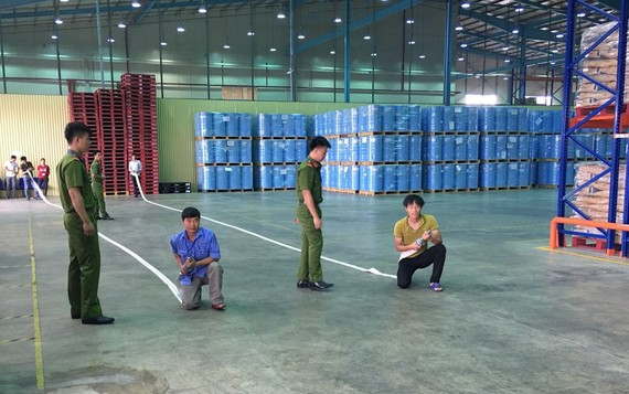 消防部門為企業員工進行救火集訓。
