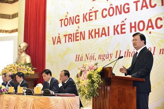 政府副總理鄭廷勇在會議上發表指導意見。(圖源:日北)