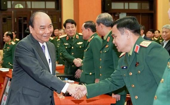 阮春福總理會見各位將領。(圖源:光孝)
