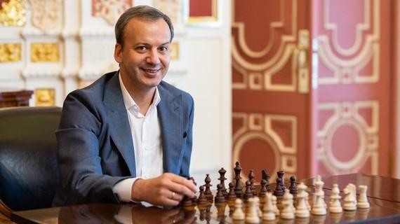 世界國際象棋聯合會主席阿卡迪‧達瓦科維奇。(圖源:互聯網)