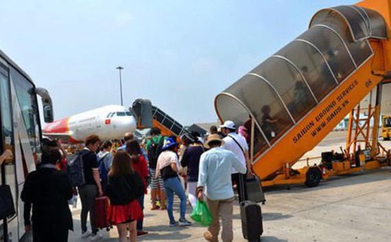 新山一機場嚴重超負荷,應該儘快擴建。