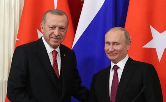 俄羅斯總統普京(右)8日與到訪的土耳其總統埃爾多安舉行會談。(圖源:anews.com.tr)