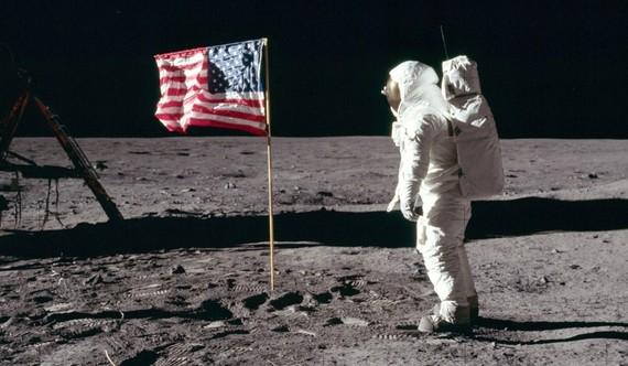 美國總統特朗普宣佈,將為美國航天局2020財年的預算追加16億美元,以加速實現重返月球的計劃。(圖源:互聯網)