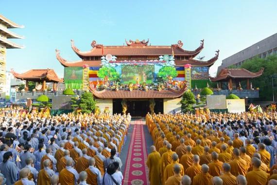本市越南佛教教會理事會舉行的佛曆2563年佛誕大典現場一瞥。(圖源:登輝)