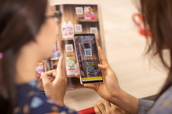 消費者可直接從《智能購物手冊》購物。(圖源:Vingroup)