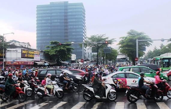 阮文靈與阮友壽交岔路口經常發生擁堵。