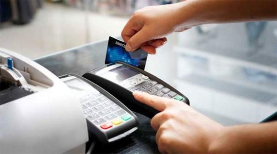 根據各發達國家的發展趨勢,購物付款方式日趨轉為刷信用卡、掃QR碼或使用電子錢包。