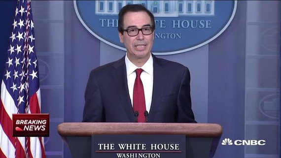 """美國財政部長姆努欽當地時間15日在白宮表示,美國社交媒體公司臉書計劃發行的加密數字貨幣Libra將涉及""""國家安全問題"""",恐被犯罪分子利用。(圖源:CNBC)"""