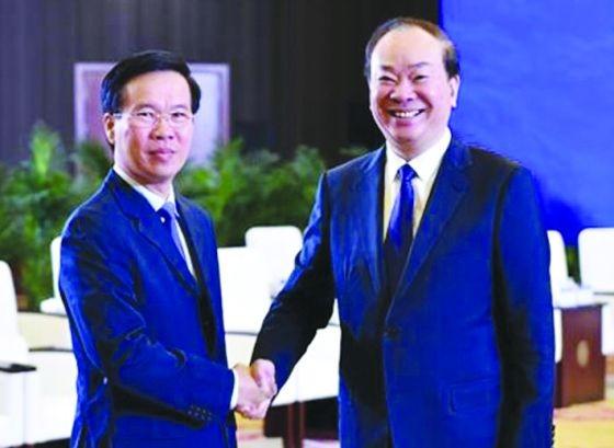 中央宣教部長武文賞與中共中央宣傳部長黃坤明會晤。