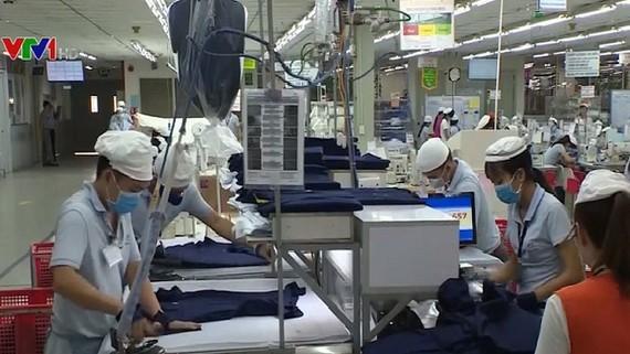 政府總理阮春福最近審批了2020-2030年越南國家品牌計劃,致力使逾1000國貿達國家品牌標準。(示意圖源:VTV)