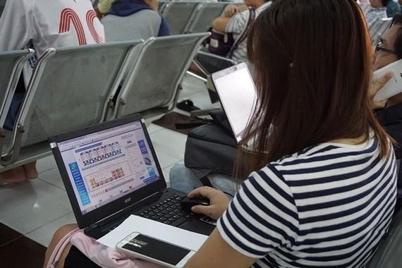 乘客可直接通過越南火車網站訂購春節火車票。(圖源:MQ)