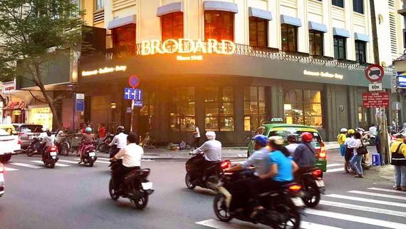Brodard餐廳-茶館-糕餅店。