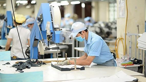 紡織品成衣行業應用高新技術。