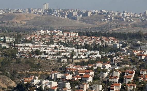 一座座建設中的以色列猶太人定居點樓房拔地而起。(圖源:互聯網)