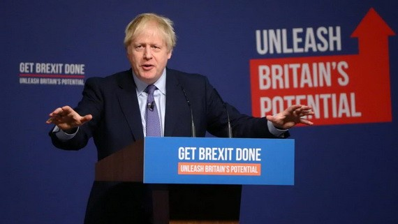 """英國首相約翰遜當地時間24日發表保守黨的政綱宣言,承諾在聖誕節前讓國會再度表決他的""""脫歐""""協議。(圖源:路透社)"""