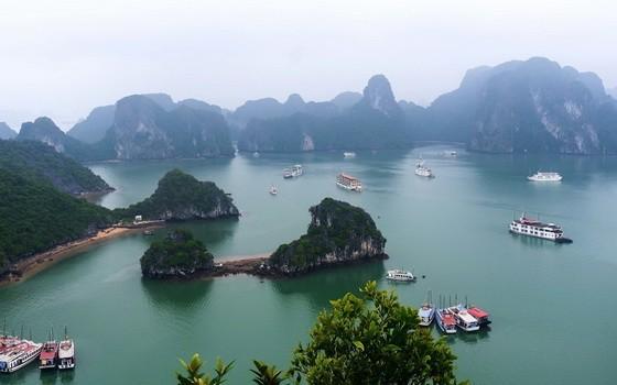 我國著名旅遊景點下龍灣一瞥。(圖源:互聯網)