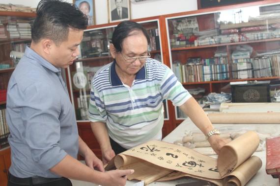 張漢明畫家向麒麟贈送其收藏逾半個世紀的大量名家作品。